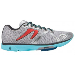 Women's Newton Distance V running shoes